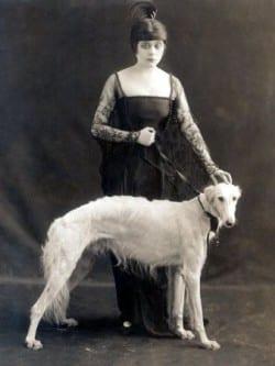 Theda Bara con suo Levriero - 1916